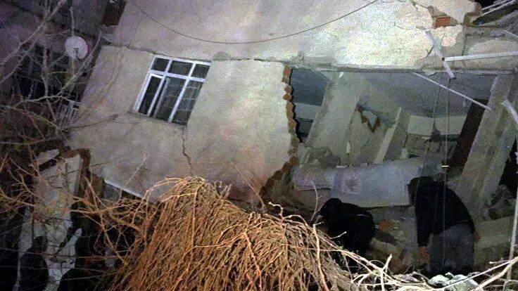 Əfqanıstanda bina uçdu: 6 ölü, 3 yaralı