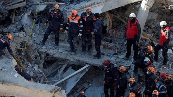 Turkish quake victims call Syrian rescuer 'hero'
