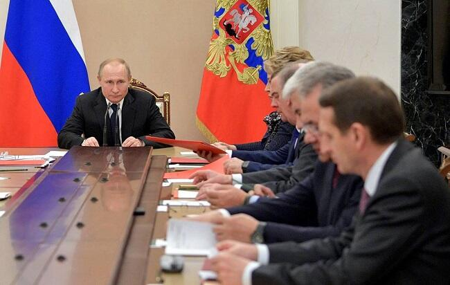 Putin convenes the Security Council