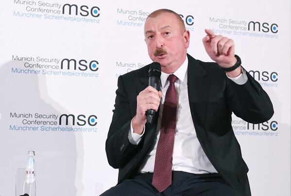 Əliyev rəqibini siyasi nokauta göndərdi - Tacikistan portalı