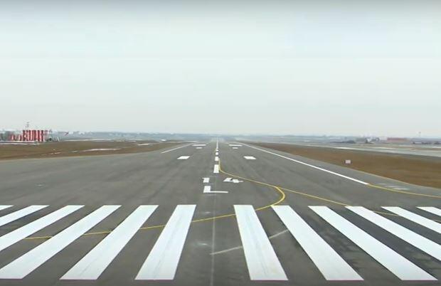 Naxçıvanın yeni uçuş-enmə zolağına ilk eniş... - Foto