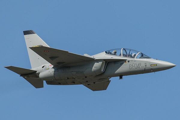 Азербайджан приобретет у Италии военные самолеты