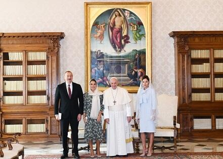 İlham Əliyev Papa ilə görüşdü - Foto