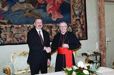 Əliyevdən kardinala: İrəvan destruktiv siyasət yürüdür