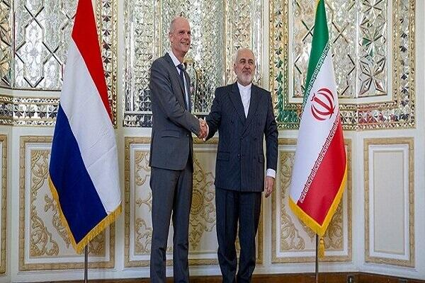 Iranian, Dutch FMs hold a meeting