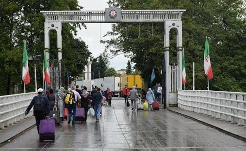 Почему Азербайджан не закрывает границу с Ираном?