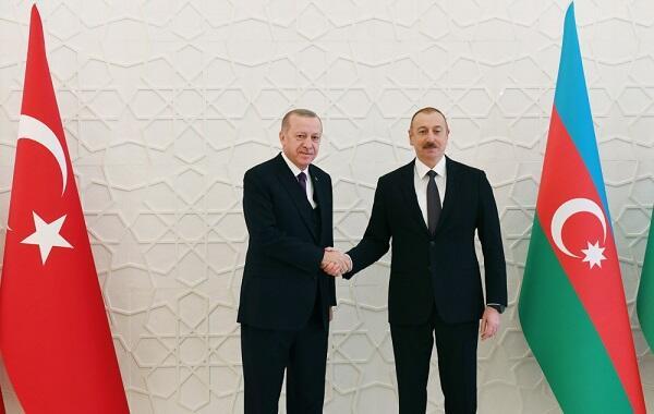 Алиев провел телефонный разговор с Эрдоганом