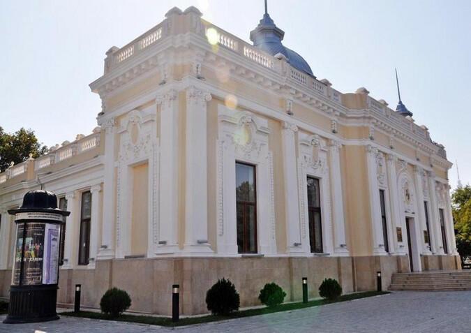 Kukla Teatrından azyaşlı tamaşaçıların diqqətinə