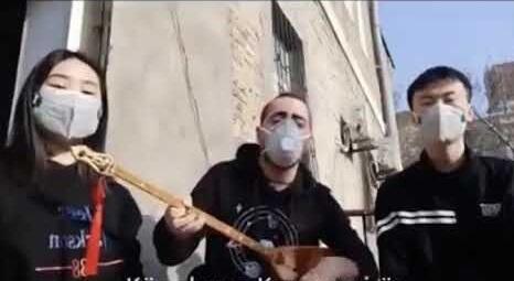 """Türk müəllim Bakıda koronaya """"klip"""" həsr etdi - Video"""