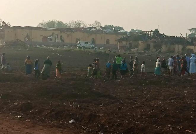 Nigeriyada partlayış: Yüzlərlə ev dağıldı