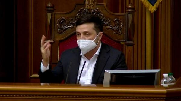 Zelensky came to parliament in a mask