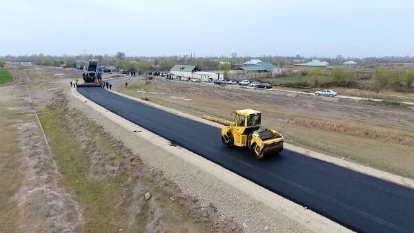 Yevlaxda 8 km-lik yol yenidən qurulur