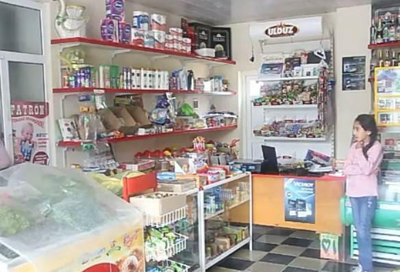 Göyçayda bu market ərzağı pulsuz etdi - Foto