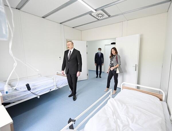 İlham Əliyev və Mehriban Əliyeva yaralı hərbçilərlə görüşdü