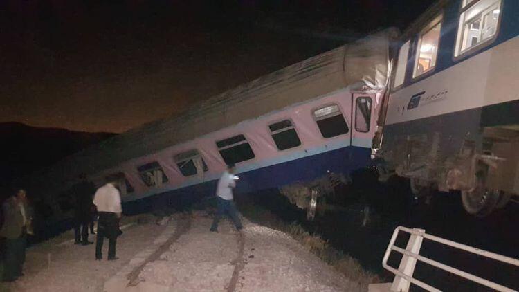 В Мексике поезд врезался в жилые дома, есть жертвы