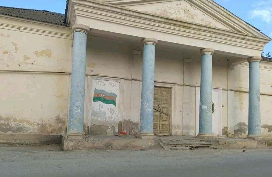 Bakıda Mədəniyyət Evinin acınacaqlı durumu – Foto