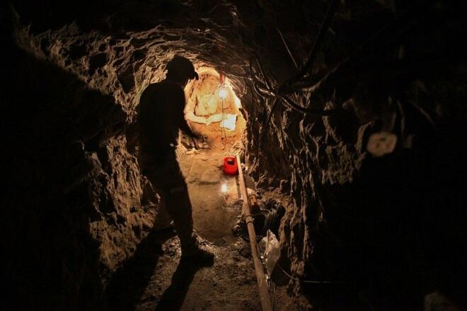 Архив Idaho Republican: Армяне вырыли тоннель под Баку…