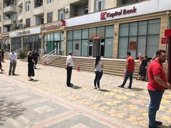 Bankdan maaş və pensiya kartları ilə bağlı şad xəbər