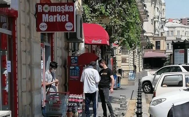 Bakıda koronaya yoluxan şəxs mağazada aşkarlandı - Video