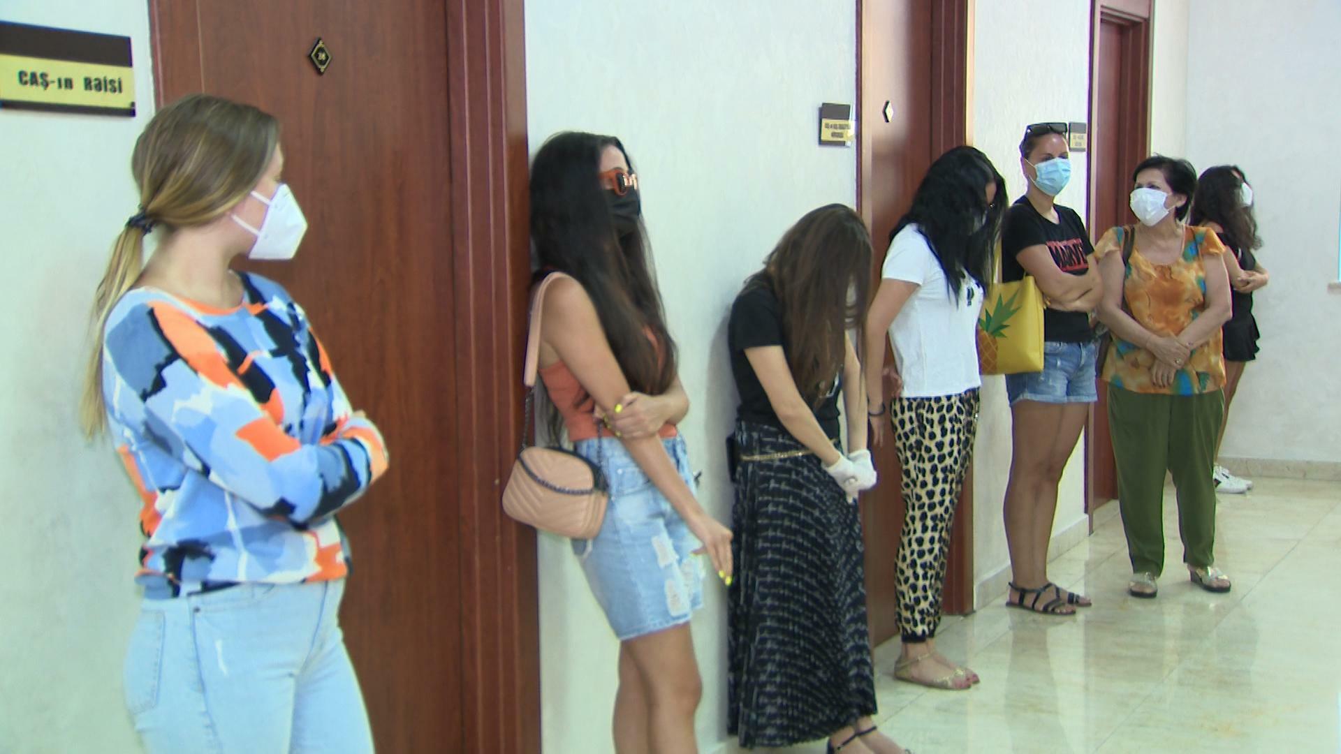 Polis Bakının məşhur otelində əməliyyat keçirdi - Video/Foto