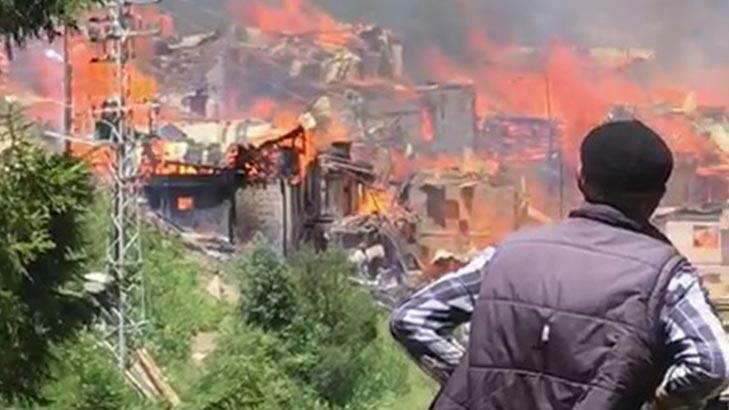 Strong fire in Turkey: 70 houses turned to ashes -