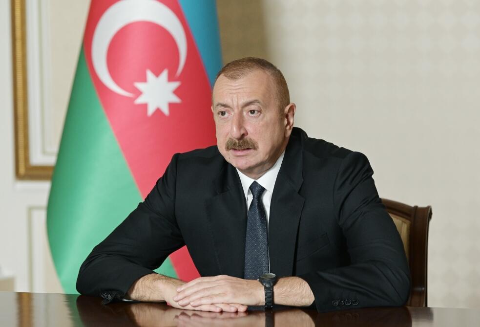 Ильхам Алиев поздравил нефтяников