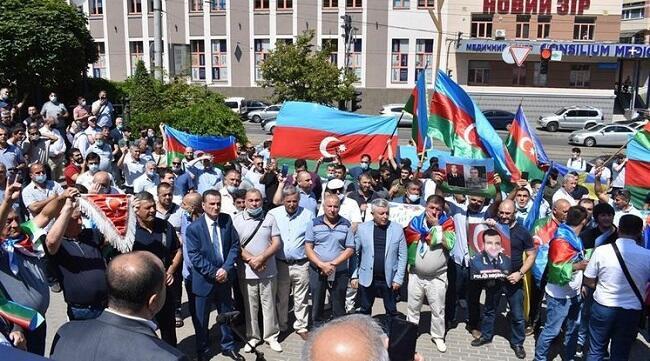 Soydaşlarımız Belçikada erməni ordusuna qarşı - Video