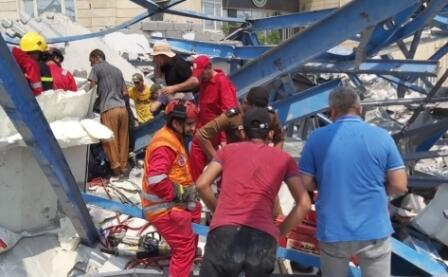 Synagogue podium collapses in Israel -
