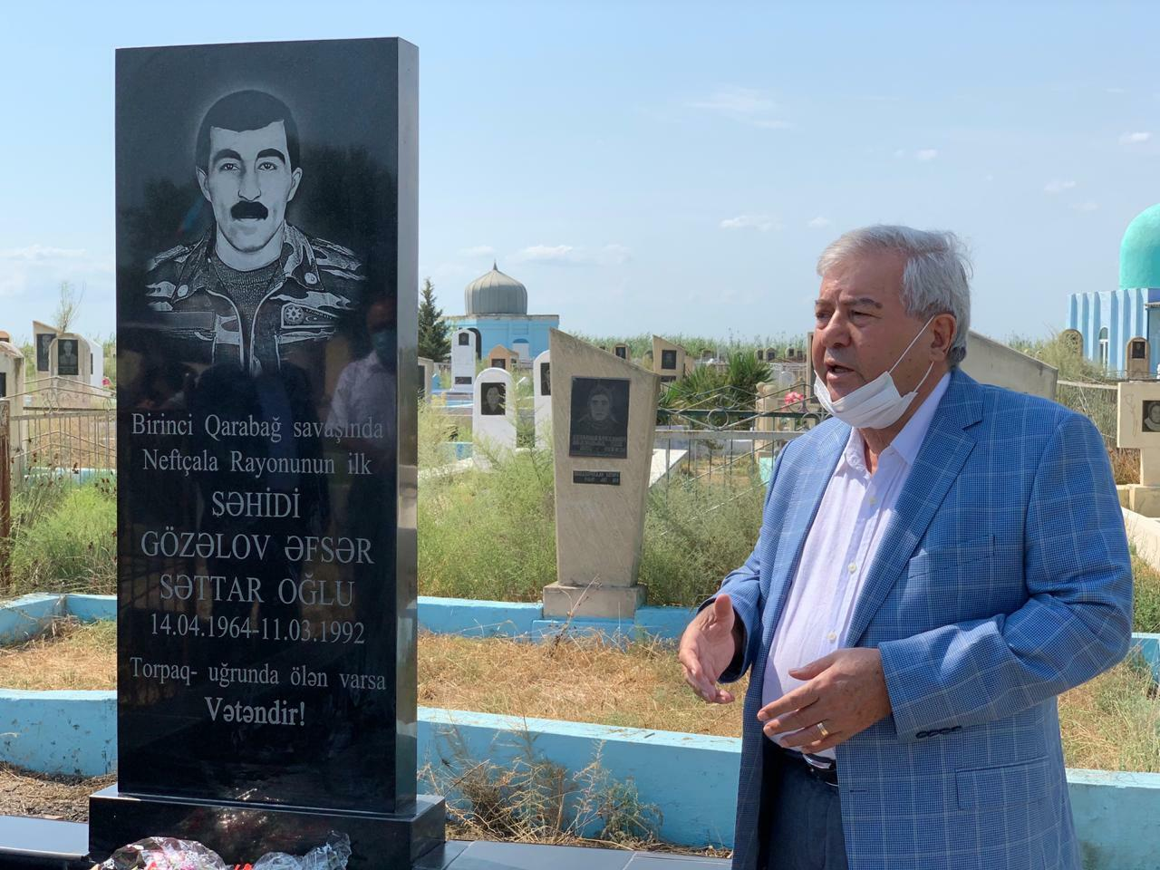 Millə vəkili və başçı şəhid məzarını ziyarət etdi - Foto