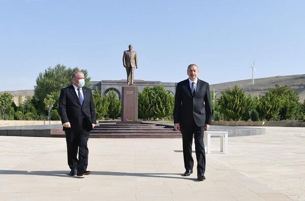 Ильхам Алиев прибыл в Гобустан - Обновлено