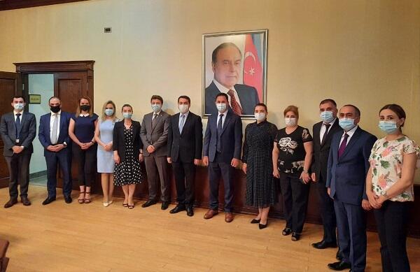 Хикмет Гаджиев встретился с членами общины Карабаха