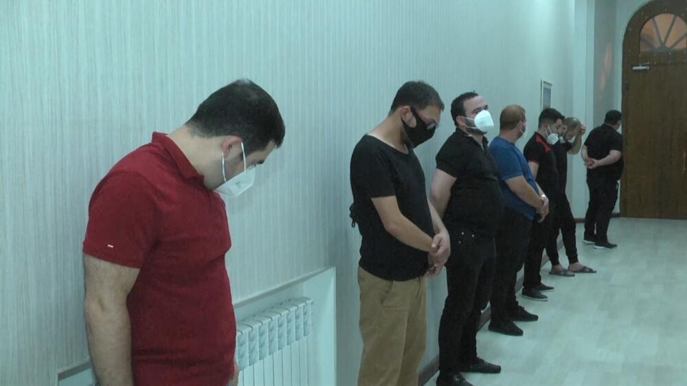 """""""40 pillə""""nin sahibi və müştəriləri cərimələndi - Foto"""