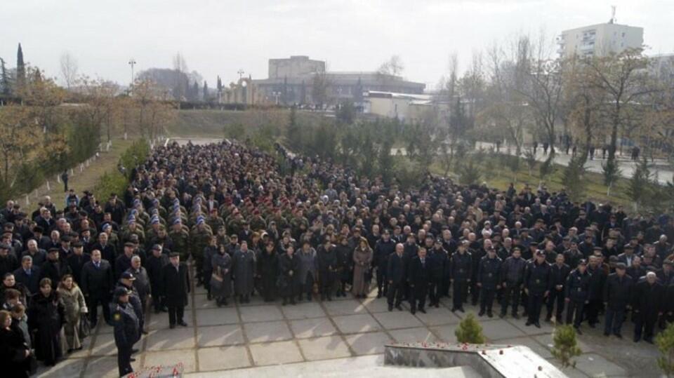 Başçı Şəhidlər kompleksini dağıdıb, 1 ha ərazini mənimsədi - Video