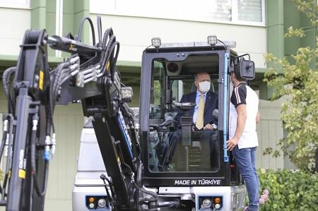 Erdogan drove an excavator and gave a message -