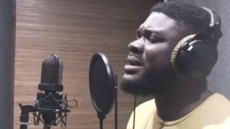 """Nigeriyalı """"Sarı gəlin""""i oxudu - Video"""