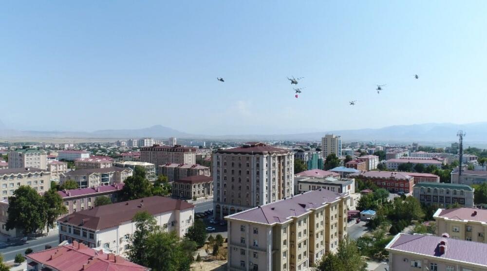 """Naxçıvanda """"Qarabağ Azərbaycandır!"""" şüarı altında - Aksiya"""