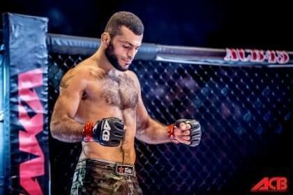 Азербайджанский боец ММА нокаутировал соперника