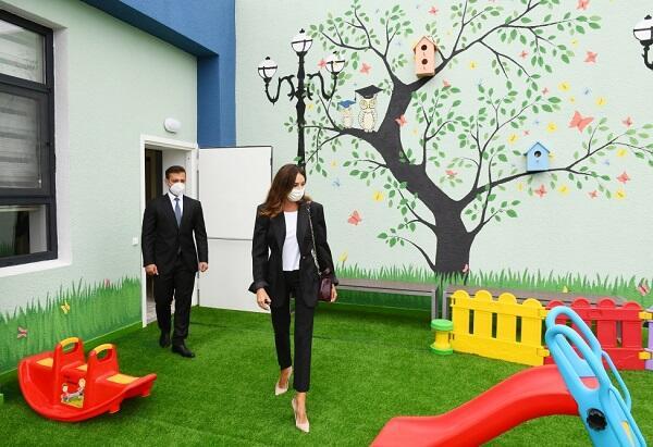 Мехрибан Алиева на открытии детского сада