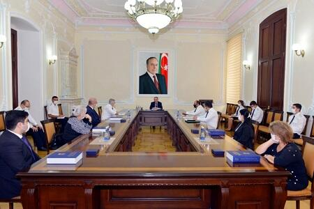 Baş prokuror İsmət Qayıbovun oğlu ilə görüşdü