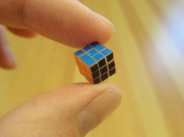 Самый маленький кубик Рубика показали в Японии