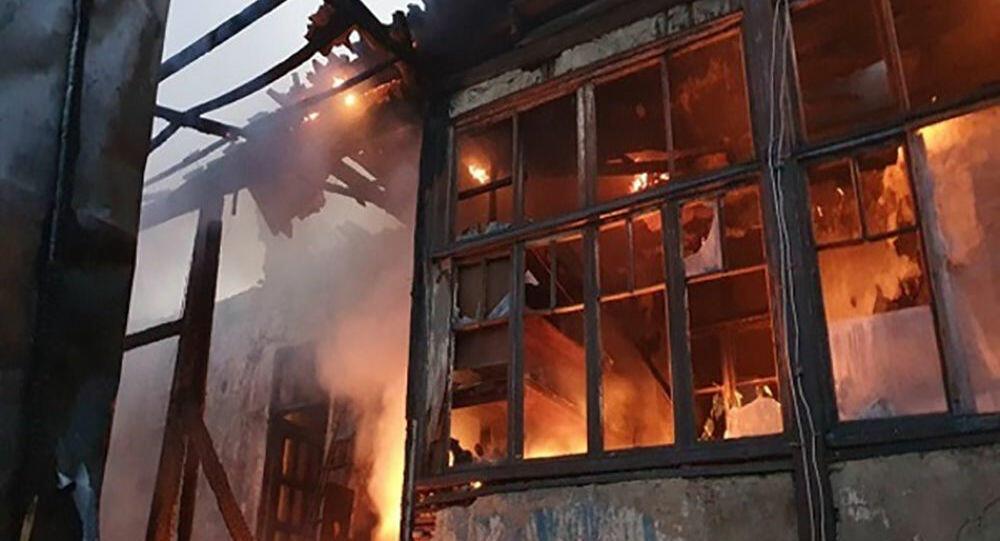Ermənistanda güclü yanğın: 8 ev yandı - Foto