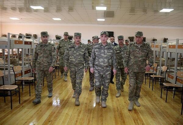 Генералы посетили прифронтовую зону - Фото