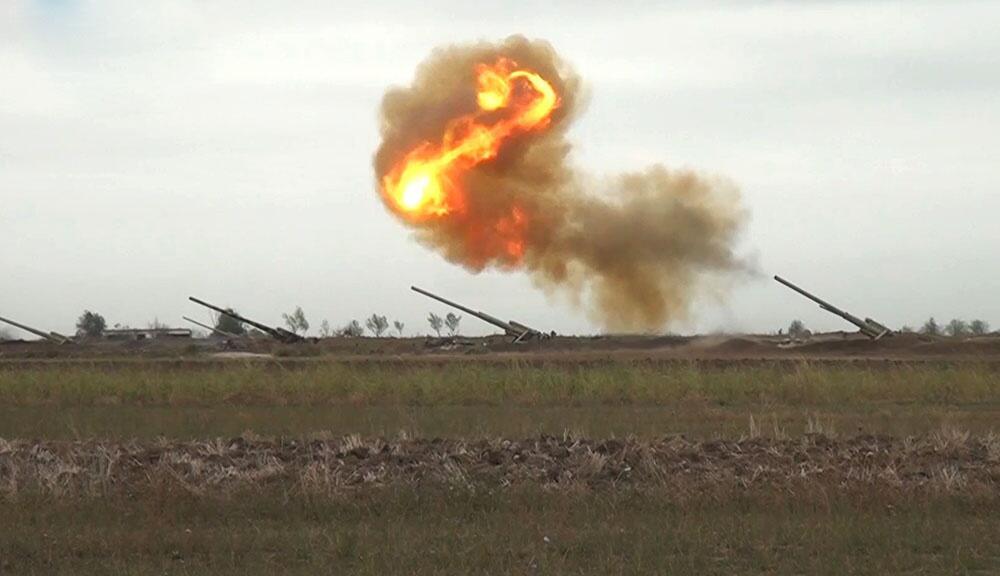 Düşmənin artilleriya bölmələrinə zərbələr endirildi - Video