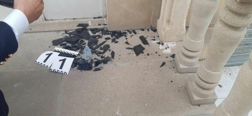 Противник обстреливает гражданские объекты - Фото