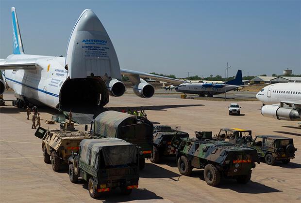 Rusiyadan Ermənistana hərbi sursat daşınır - Fakt