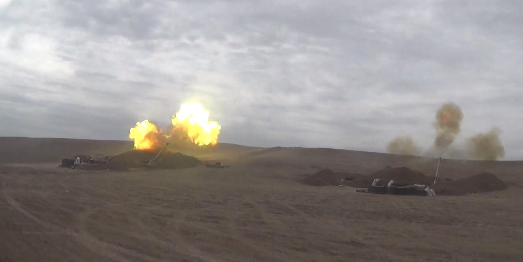 Artilleriya bölmələri düşmənə sarsıdıcı zərbələr endirir - Video