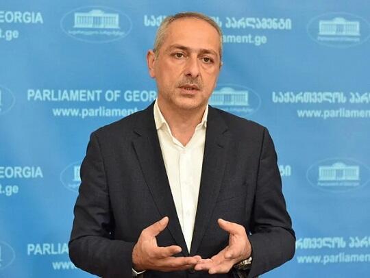 Gürcüstan ərazisindən hərbi yük daşımalarını qadağan etdi
