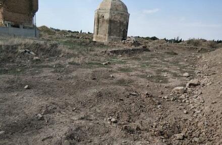 Erməni təxribatı: Şeyx Babı türbəsinə ciddi ziyan dəydi