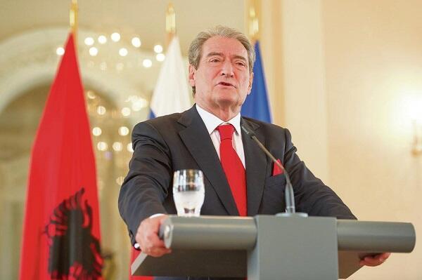 Albaniyanın sabiq prezidentindən dəstək