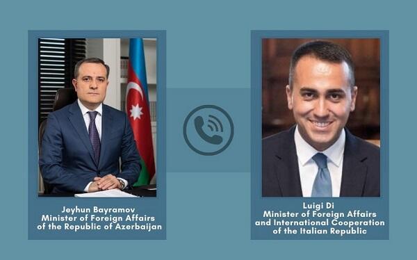 Ceyhun Bayramov İtaliya XİN başçısı ilə danışdı
